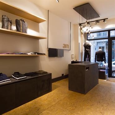 Réhabilitation d'un local commercial, 74 m², Paris. Conception, maitrise d'ouvrage, mobilier.  Domozoom