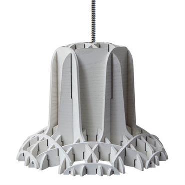 Suspension Spécimen Editions design Gris en Bois. Dimensions : Ø 22,6 x H 17 cm - Câble : L 200 cm max. - Rosace : Ø 12 cm. Les designers ...