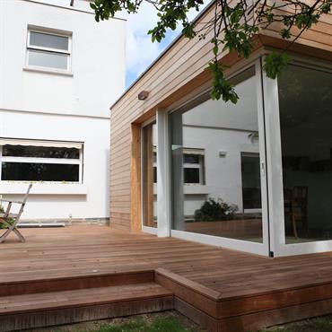 Réaménagement et accompagnement dans la décoration d'une maison individuelle. Création d'une extension  Domozoom