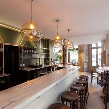 Habillage du bar en Panbeton® Modern du restaurant Noun dans le 18ème arrondissement de Paris.   Produit : Panbeton® Modern   Finition/couleur ... Domozoom