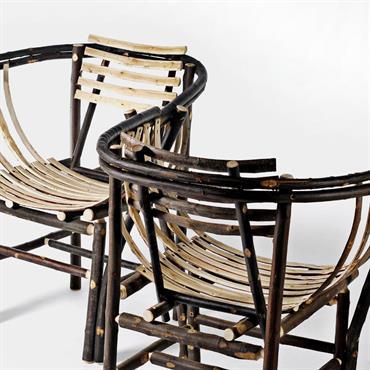 Fauteuil en bois de châtaignier élégant, sobre et très confortable.  Domozoom