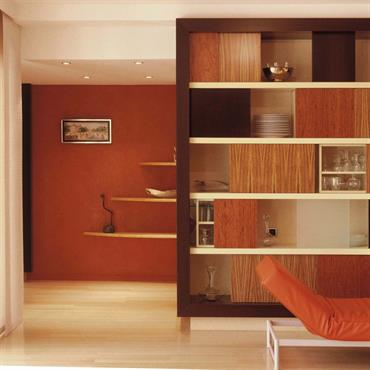 Restructuration et rénovation d'une maison des années 80, création de mobiliers structurants pour redistribuer les espaces  Domozoom