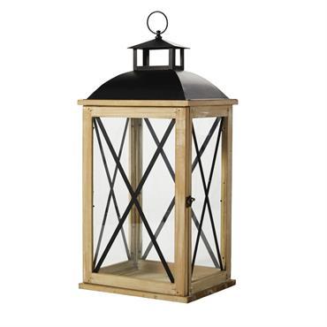 Des plus classiques, cette lanterne en sapin et métal noir JAMES assurera son rôle à la perfection. Sa structure en bois s'enlace d'éléments en métal noir signant une cage au ...