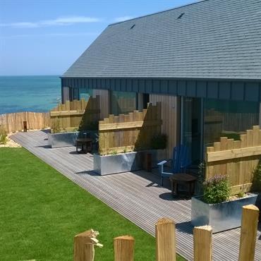 Conception des terrasses et jardins de l'hôtel Le Landemer dans le Cotentin  Domozoom