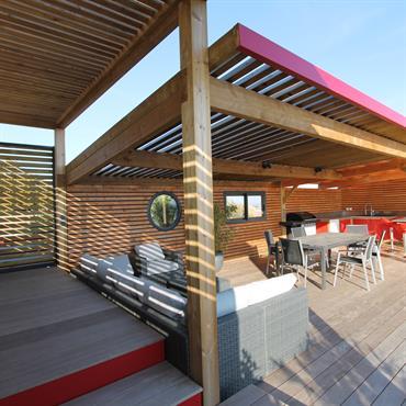 Réalisation d'un Poolhouse avec piscine, relaxation optimal  Domozoom
