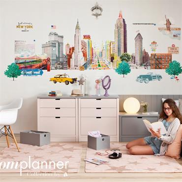 Chambre d'adolescent avec bureau dans des tons pastels