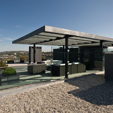 Toit terrasse en verre et métal