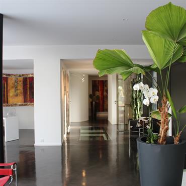 Entr es et couloirs modernes id e d co et am nagement for Tapisserie moderne pour couloir