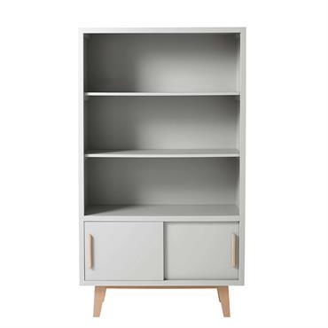 Avec ses 3 étagères, cette bibliothèque gris exposera tous les livres et objets fétiches de votre bambin. Sobre et épurée, cette bibliothèque grise dispose également d'un rangement à portes coulissantes ...