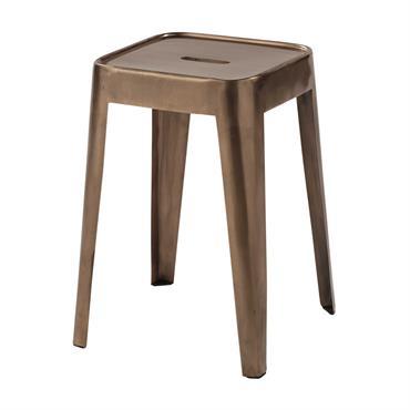 En plus d'offrir une touche d'éclat à votre déco, ce tabouret en métal cuivré apportera une assise complémentaire au salon. Inspiré du design indus, ce tabouret en métal pourra également ...