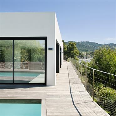 Terrasse avec ballustrade inox sur la Façade Ouest