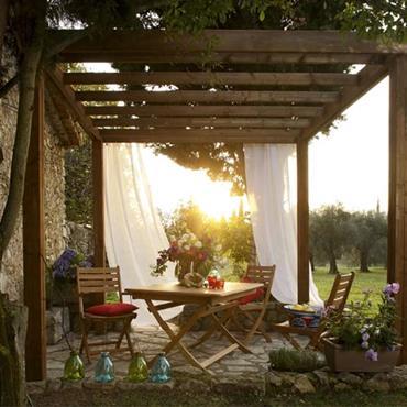 Tonnelle en Sapin, autoportante, à placer sur la terrasse ou le jardin