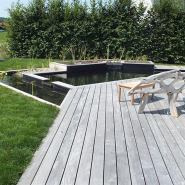 Baignade naturelle et terrasse bois