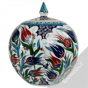Jarre sphérique en faïence ottomane au décor fleuri
