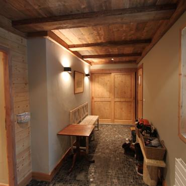 entrées et couloirs Chalets Idée déco et aménagement entrées et ...
