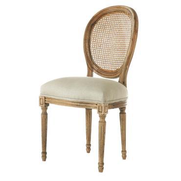 Pour une ambiance château, misez sur la chaise de salle à manger Louis. Cette chaise en lin naturel et dos canné pleine de charme avec ses moulures et son aspect ...