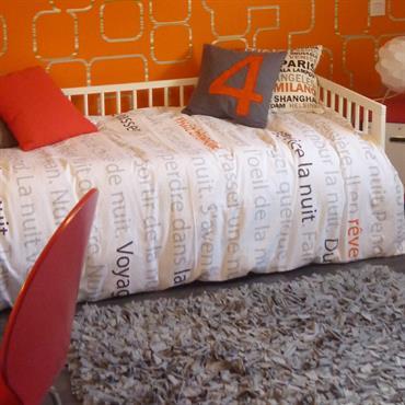 Chambre d'adolescent orange et grise