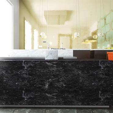 Grand ilot de cuisine en marbre