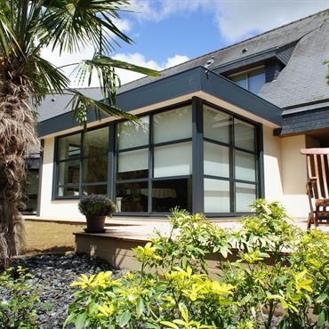 Extension d'une habitation avec un toit plat