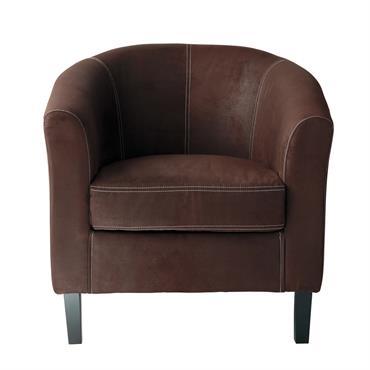 Le style anglais débarque chez vous avec le fauteuil club en suédine marron BALTIMORE . Son revêtement imitant le cuir et ses formes généreuses sauront donner du caractère à votre ...