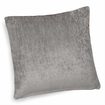 À la recherche de douceur dans votre chambre ou votre salon ? Craquez pour ce coussin en velours et sa belle nuance de gris. Avec sa douce texture et sa ...