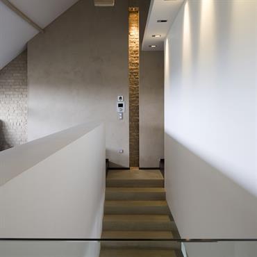 Montée d'escalier sur 1er étage