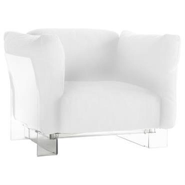 Fauteuil rembourré Kartell design Blanc en Matière plastique. Dimensions : L 94 cm x H 70 cm x P 94 cm - H assise 35 cm. Petit frère du fauteuil ...