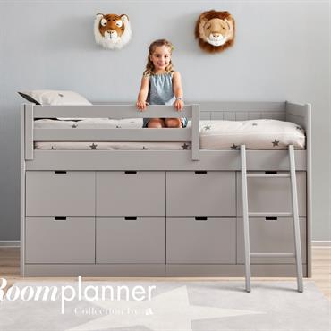 Chambre d'enfant dans les tons gris avec lit surélevé