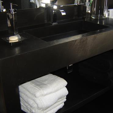 Plan vasque salle de bain beton cire