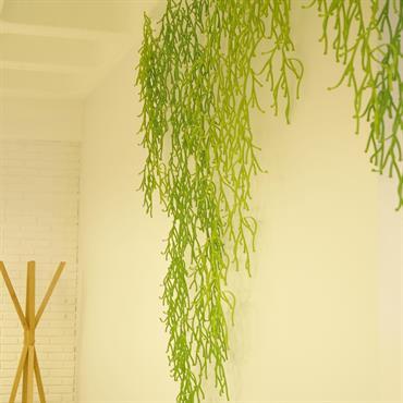Décor végétal en polypropylène.