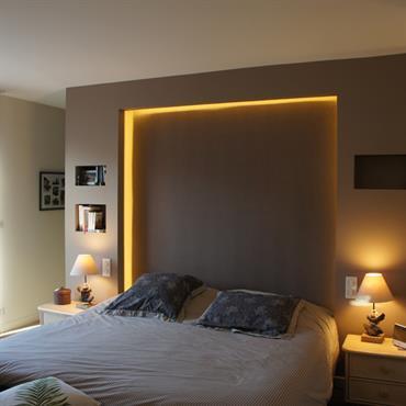 Tête de lit éclairée sur mesure