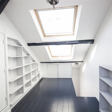 Chambre sous les toits de Paris
