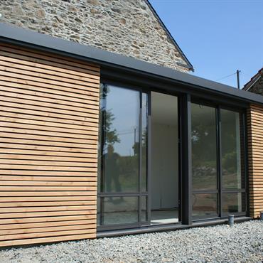 Extension bardage bois avec une toiture plate