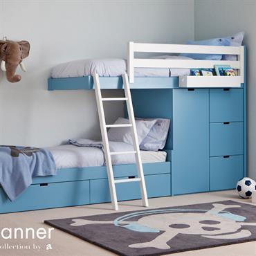 Chambre d'enfant bleue avec lits superposés design et rangements