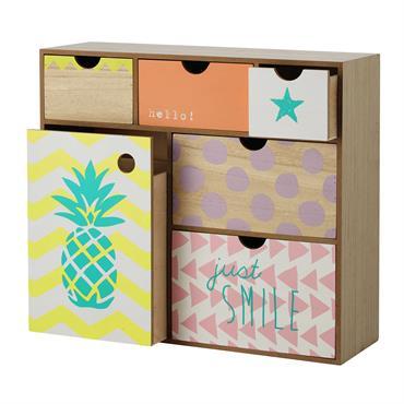 Avec ses multiples tiroirs, cette boîte en bois vous offrira un joli rangement pour vos petits accessoires ou votre papeterie de bureau. Égayée par des couleurs pastel en façade, cette ...