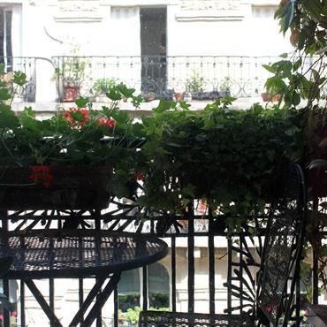 Petit balcon attenant à la chambre parentale.