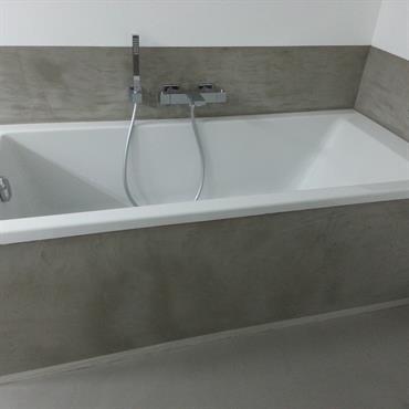 Habillage baignoire beton cire