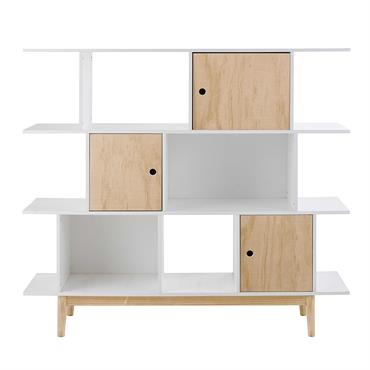Esthétique et fonctionnelle, cette bibliothèque propose de nombreux rangements pour stocker tous les livres et objets préférés de votre bambin. Alternant les espaces ouverts et fermés, cette bibliothèque blanche pourra ...