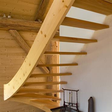 Escalier d'accès à la mezzanine