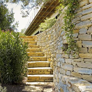 Jardin, restanques, escalier pierre