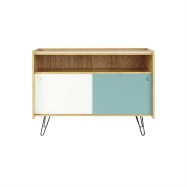 Animé par un duo bleu et blanc en façade, ce meuble TV donnera un bon coup de fraîcheur à votre salon. Divisé en plusieurs compartiments, ce meuble TV en bois ...
