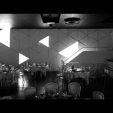 Triangulation luminaire murale