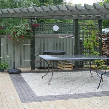 Terrasse avec pergola en bois