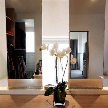 Creation d'une cloison en verre afin de separer le dressing de la salle de bain