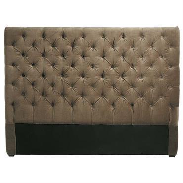 Un superbe style anglais pour la tête de lit 140 cm CHESTERFIELD ! Recouverte de velours taupe, cette tête de lit capitonnée habillera votre lit 2 places d'une façon cosy ...
