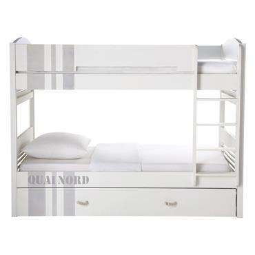 Vous recherchez des rangements complémentaires ? Optez pour ce grand tiroir en bois à glisser sous le lit superposé Quai Nord. Pratique pour ranger tous les jouets de votre bambin, ...