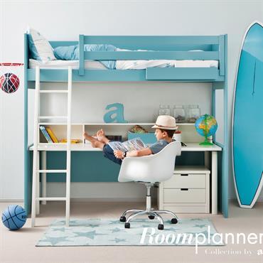 Chambre d'enfant avec lit mezzanine et bureau en dessous