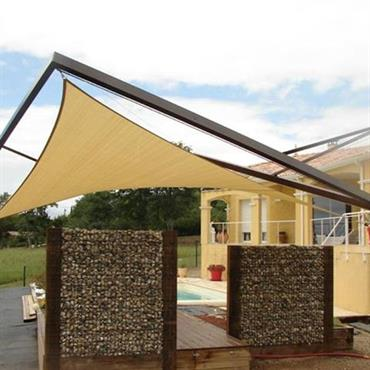 Terrasse avec claustras et toile tendue