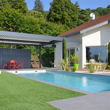 Piscines design et contemporaines id e d co et am nagement piscines design et - Jardin et piscine design ...