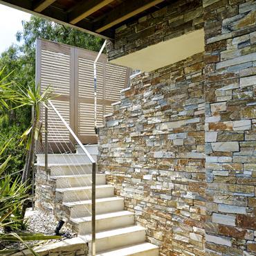 Mur en pierre appareillées